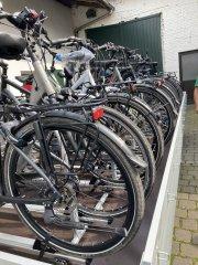 Auf dem alten Radanhänger konnten keine elektrisch betriebenen Räder aufgebockt werden